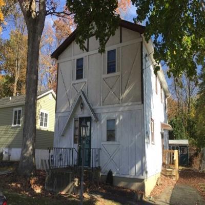 Hopatcong foreclosures – 103 Windsor Ave, Hopatcong, NJ 07843