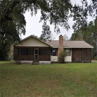 1379 Midway Central Rd, Livingston, TX 77351