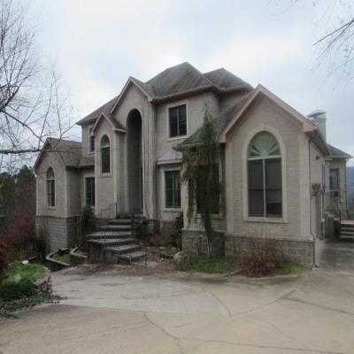 3800 Ridgefield Ln, Little Rock, AR 72223